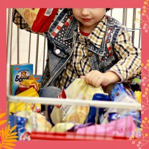DÉBAT PARENTS-ENFANTS/ADOS «Tout le monde en a un, sauf moi !» : le bonheur est-il dans la consommation ?